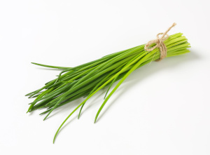 growing herbs indoors without sunlight - chives